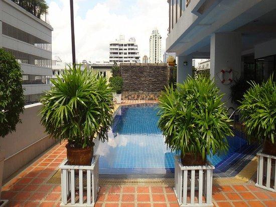 Tai-Pan Hotel: Pool