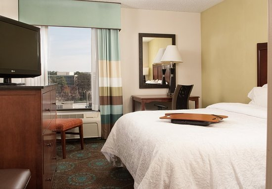 Brookhaven, GA: Guest room