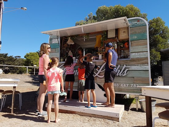 Emu Bay, Australien: Ordering at Mini de Lights