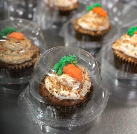 Chaguanas, Trinidad: Jumbo Carrot Cupcakes