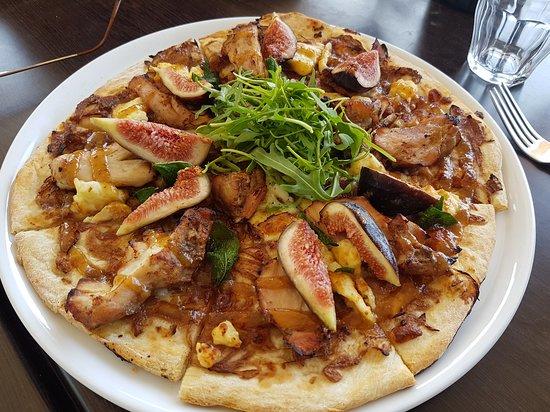 Dudley Cellar Door: Chicken and Fig Pizza - Dudley
