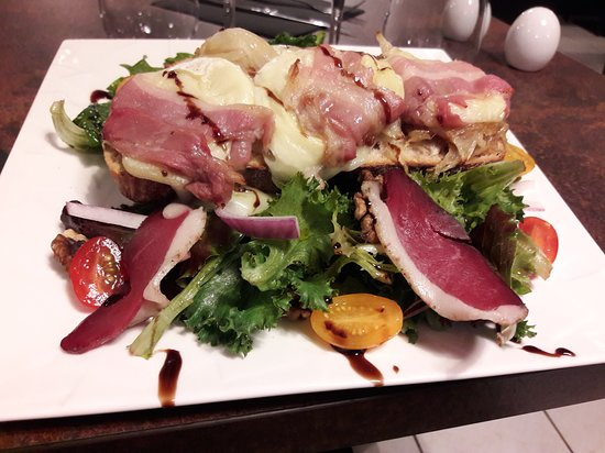 Auterive, ฝรั่งเศส: cabécou rôti