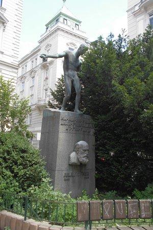 Julius Ofner Denkmal