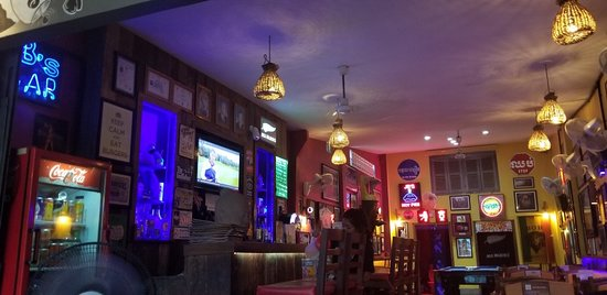 Jungle Burger Sports Bar & Bistro: the view from my seat