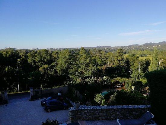Saint-Victor-de-Malcap, Francja: Vue de la terrasse