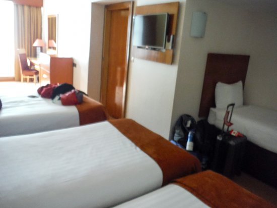 Treacys Hotel Waterford: four beds
