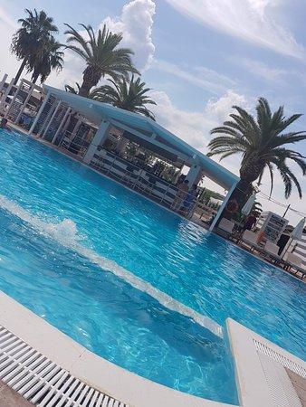 Malibu Summer: TA_IMG_20180914_125258_large.jpg