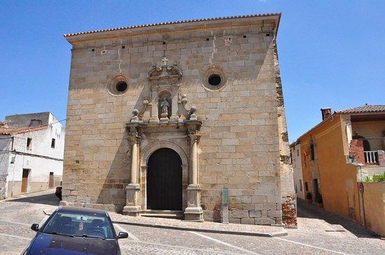 Alcantara, Spain: Front street view.