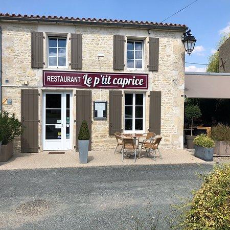 Vouhe, Francja: Le P'tit Caprice