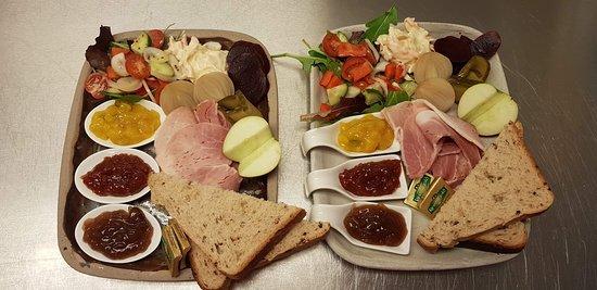Ilminster, UK: Delicious ham ploughmans