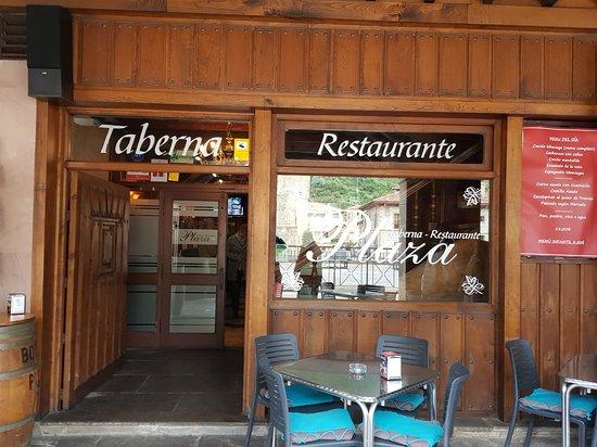 Comida Fantástica En Los Soportales De Potes Opiniones De Viajeros Sobre Taberna Restaurante Plaza Potes Tripadvisor