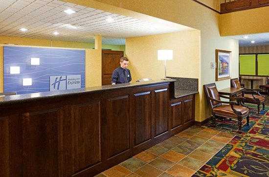 Holiday Inn Express & Suites Coon Rapids