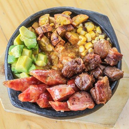 La mejor comida típica Colombiana la encuentras en La Postrera ...