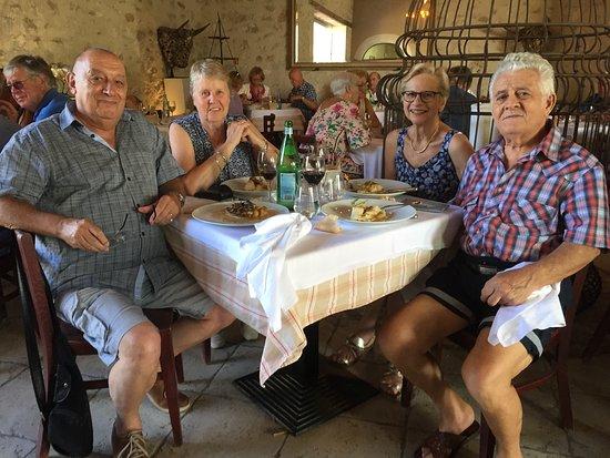 Molleges, França: La preuve que c'est complet tou les jours