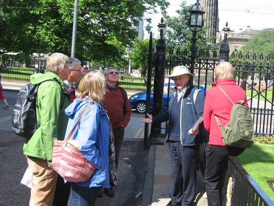 Edinburgh Festival Voluntary Guides Association