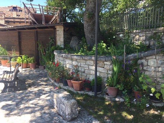 San Giuliano del Sannio, Italien: View of grounds