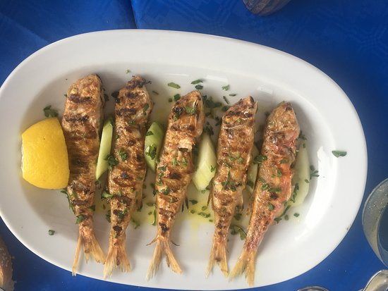 Myloi, Greece: Everyone's favorite: Barbounia, absolutely delicious!