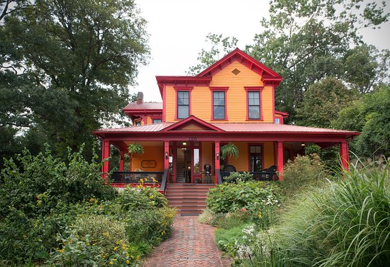 Underwhelmed Review Of Hill House Bed Breakfast Asheville Nc