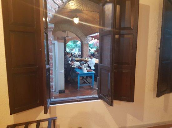 San Francisco del Rincon, México: Vista a la cocina desde la habitacion