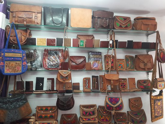 Prince Mojari And Leather Work