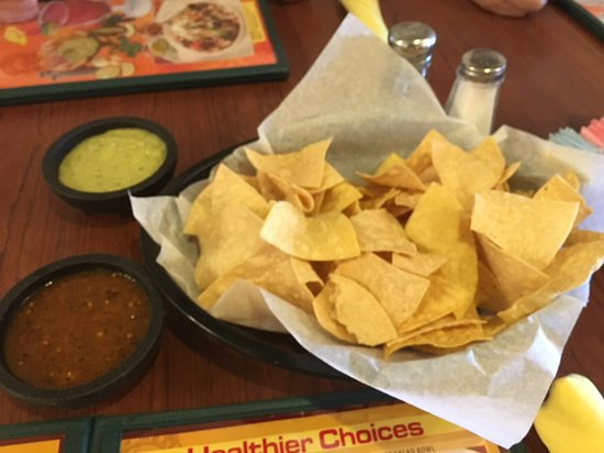 Los Cucos Mexican Restaurant Chips Salsa Served Warm And Green Sauce