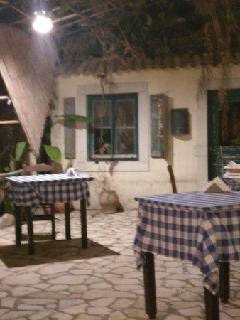 Brouklis Taverna: IMG_20180908_225106_large.jpg