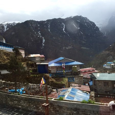 Namche Bazaar, Непал: morning view from the window