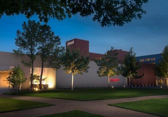 Westlake, TX: Exterior