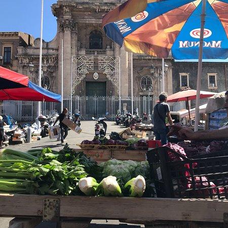 Piazza Carlo Alberto de Savoia flea market - Picture of Fera
