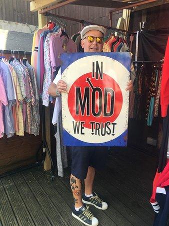 The Greenwich Vintage Market: In MOD we trust