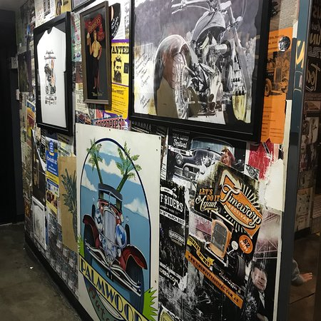 Palmwoods, Австралия: Ricks Garage