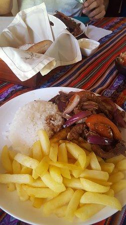 Mamina, Chile: Excelente restaurant, lomo saltado delicoso. Muy limpio y agradable lugar para comer y disfrutar