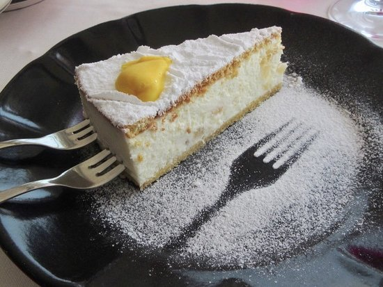 Nocelle, Italie : Pear and ricotta tart, the best pudding I have had in years.