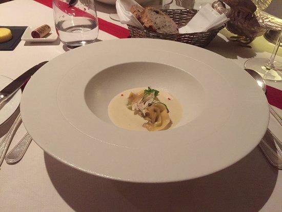 Evershot, UK: Crab Tortellini