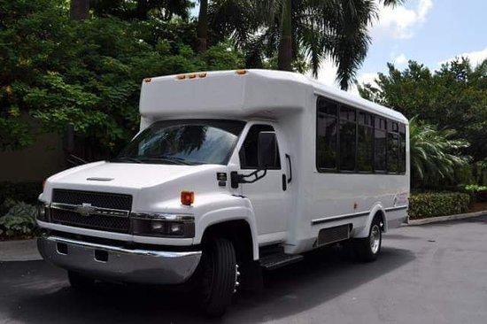 Дания-Бич, Флорида: LJ Transport