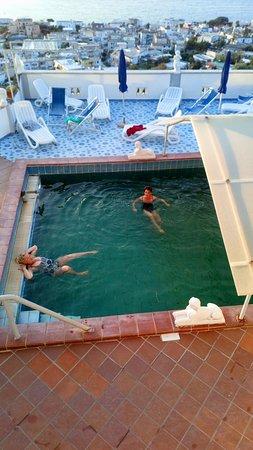 Residence Parco Mare Monte: Термальный бассейн.