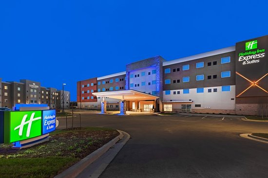 Holiday Inn Express & Suites - Lenexa - Overland Park Area
