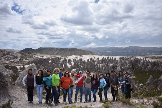 Pampachiri, بيرو: el grupo los titanes  se quedo sorprendido con el bosque de piedras de pampachiri y sus formacio