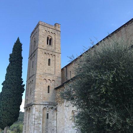 Abbazia di Sant'Antimo: photo3.jpg