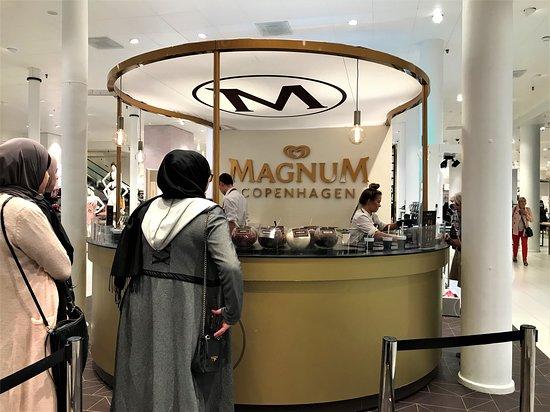 Copenhagen Region, Denmark: Ice cream bar inside