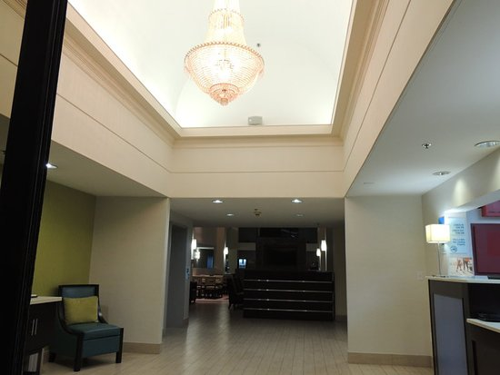 Trussville, Алабама: Lobby