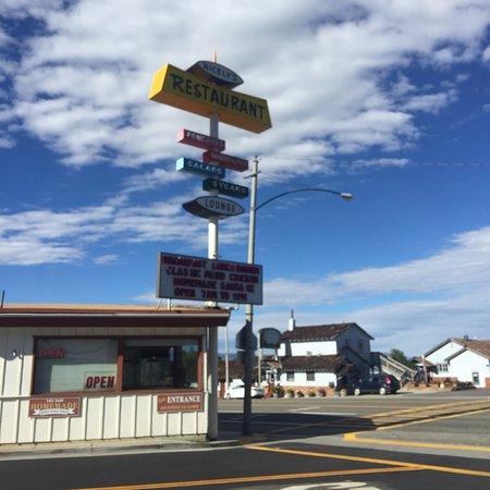Lee Vining, CA: photo2.jpg