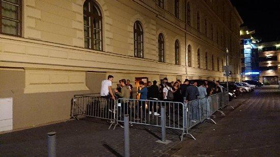 เซเกด, ฮังการี: Jate Klub