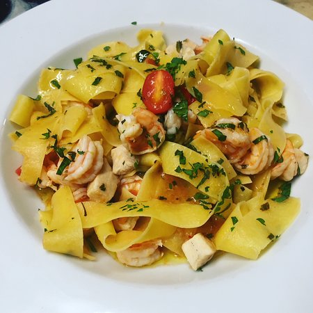 Graford, TX: pasta with shrimp and fish in white wine sauce