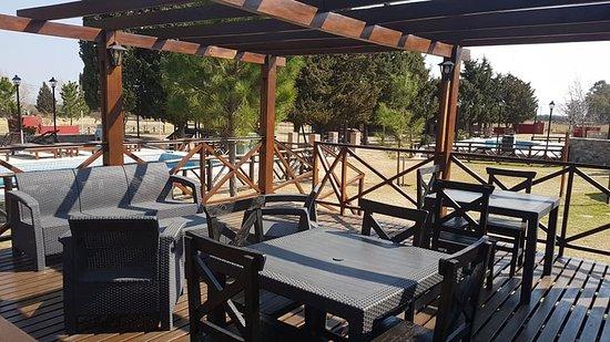 Winds Hill Home Resort Apart Hotel: Sector del restaurante y zona wifi