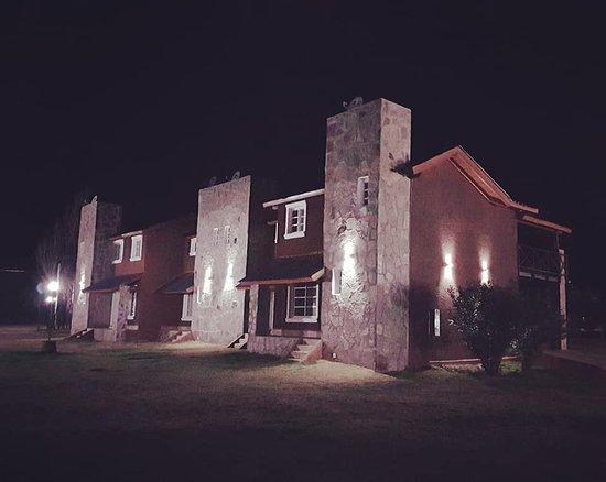 Winds Hill Home Resort Apart Hotel: El apart en la noche