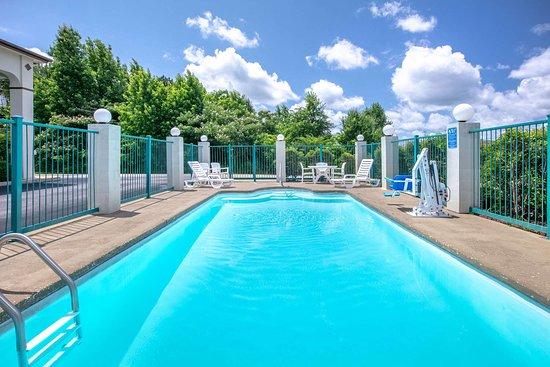 Hamilton, Алабама: Pool