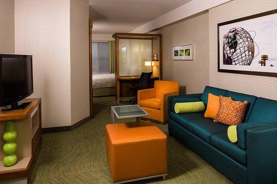 Corona, NY: Suite