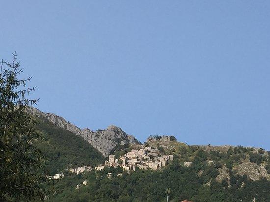 Piteglio, Italy: Lucchio visto dalla camera