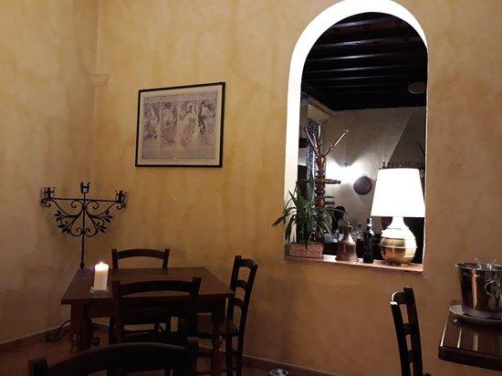Mezzegra, Italien: 20180912_210459_large.jpg
